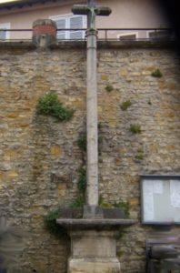Croix de la place du Bourg - réduite